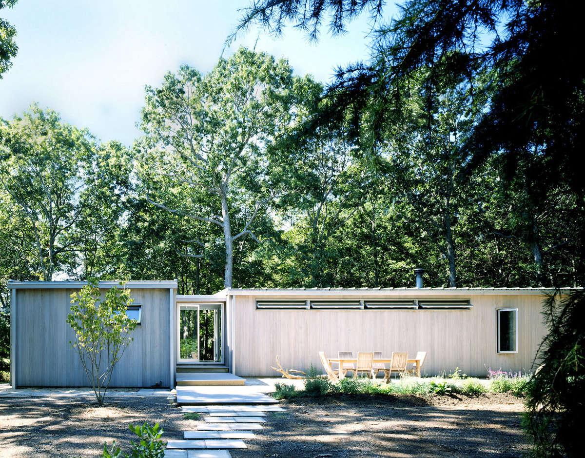 Modern Beach House by Deborah Berke | Remodelista