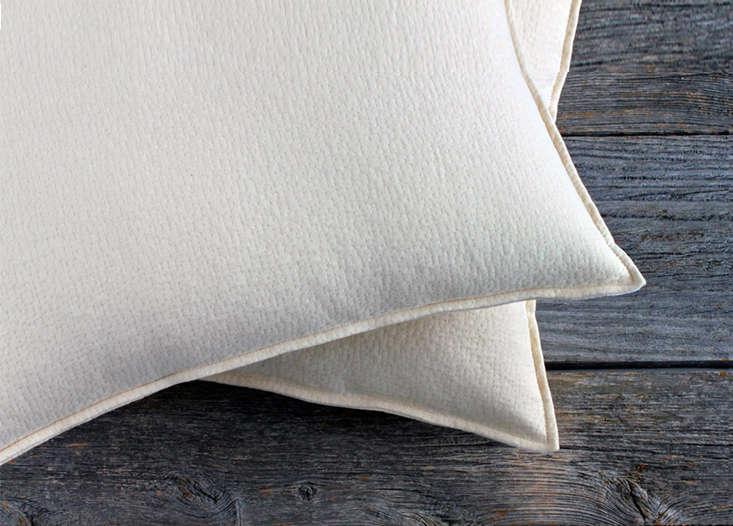 Sleeptek Shredded Rubber Pillow