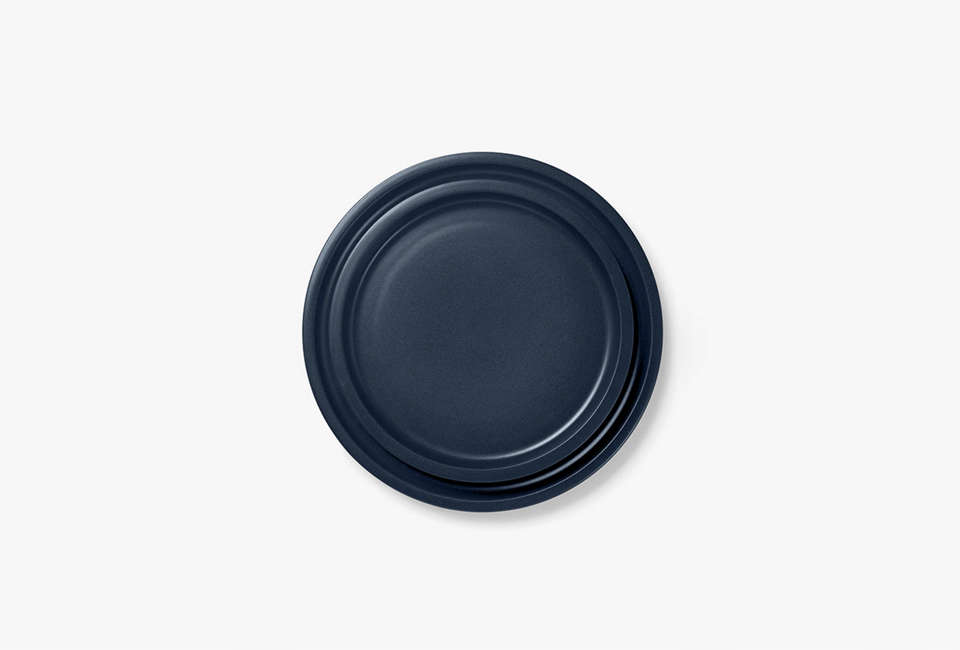 aura kali dinnerplate in indigo 12