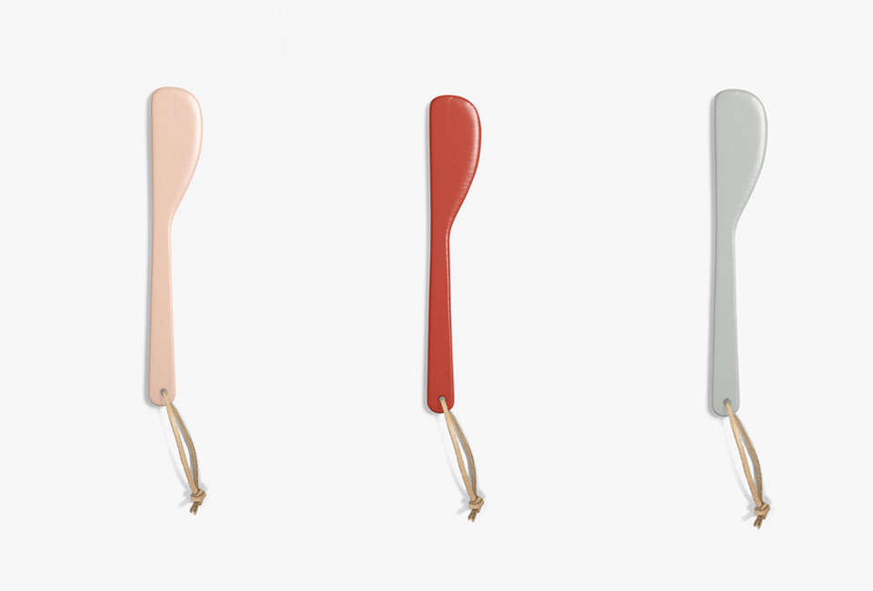 aura kali serving knife in pastel pink, coral, and dove 16