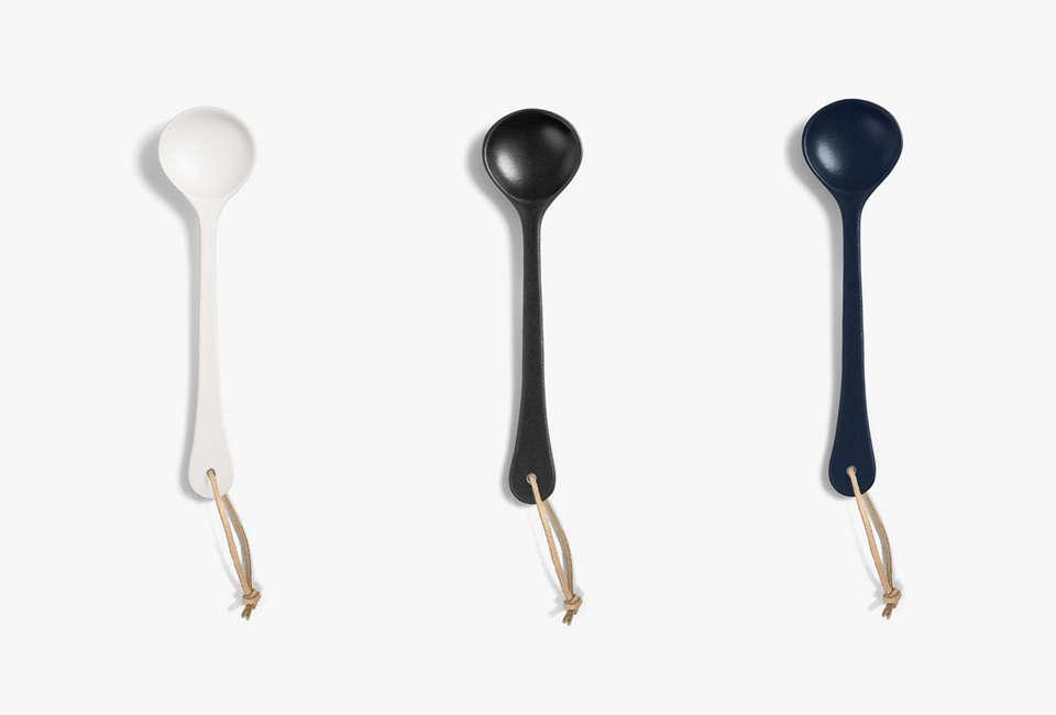 aura kali serving spoon in marshmallow, graphite, and indigo 10