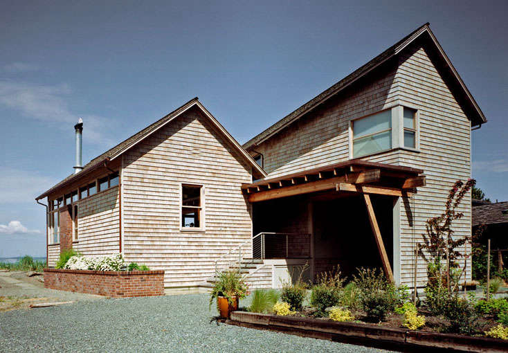 a seaside shingled house on whidbey island, washington, by heliotrope archite 12