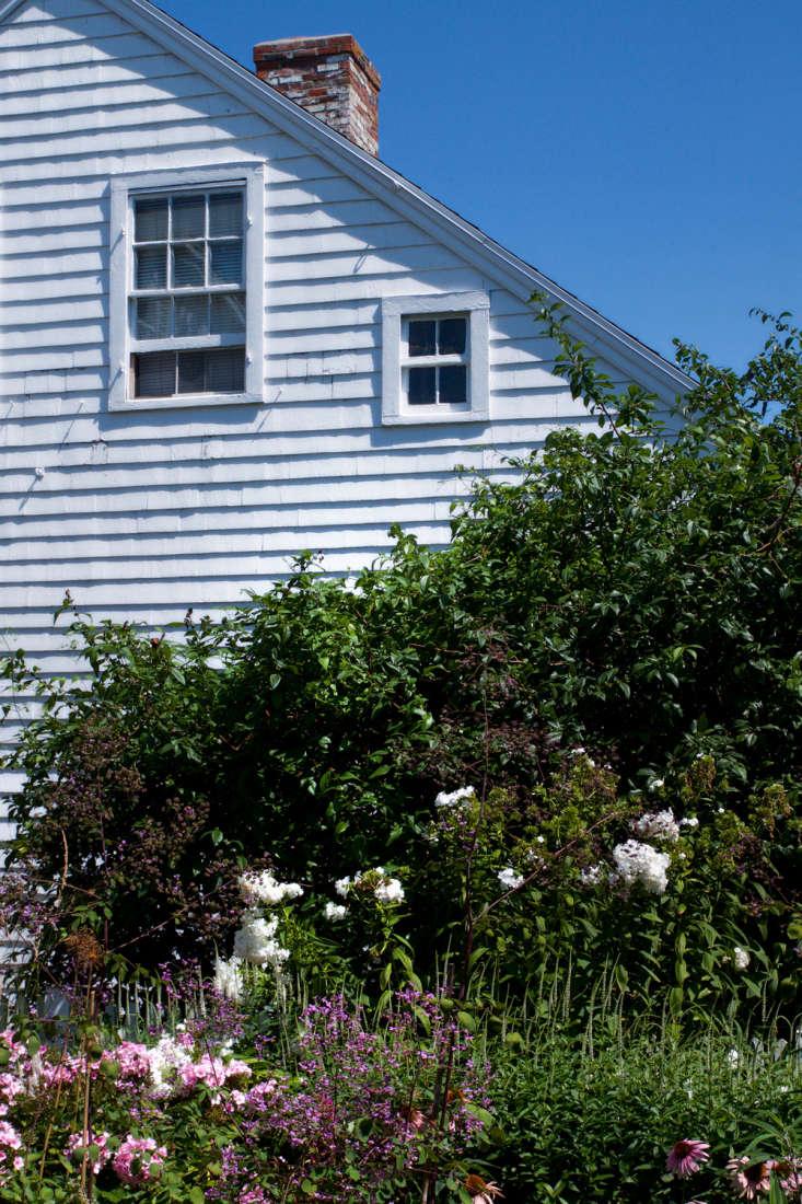 finally, revisiting a remodelista and gardenista summer favorite:\10 garden i 12