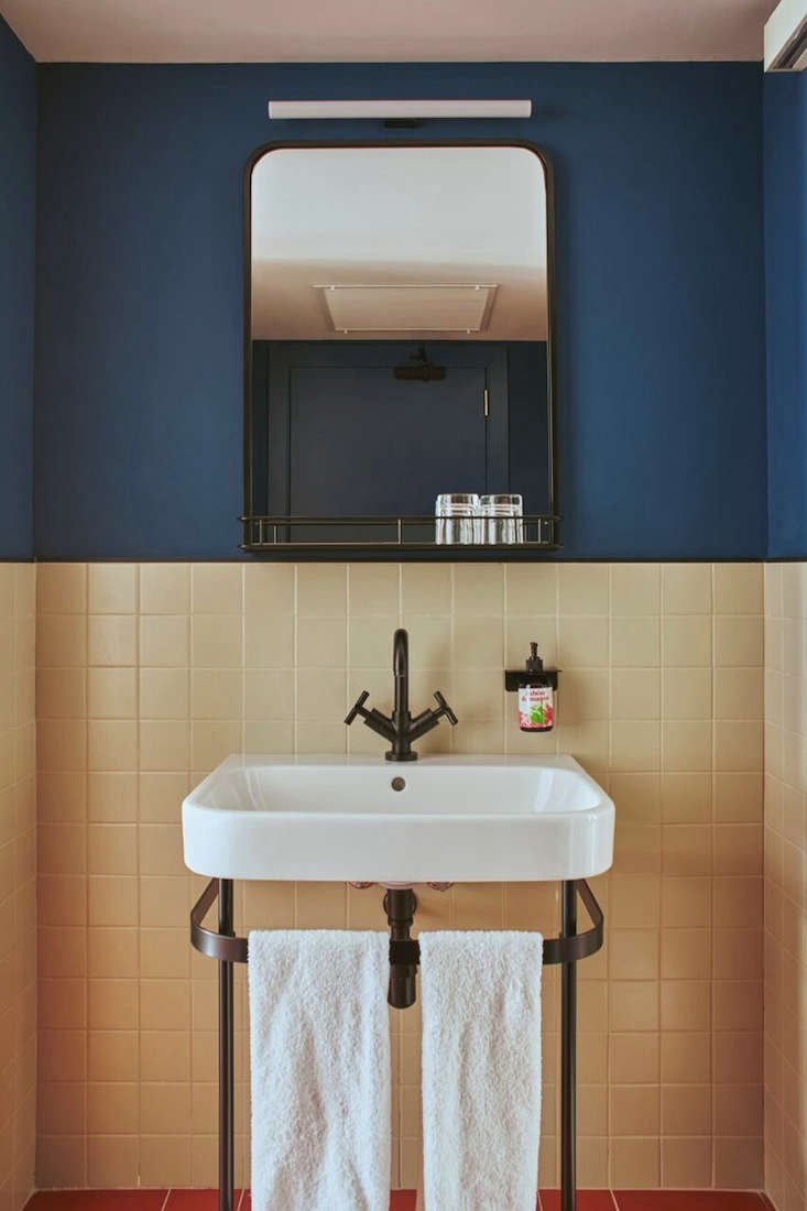the guest bathrooms have a retro feeland are equipped with rosemary and olive 17