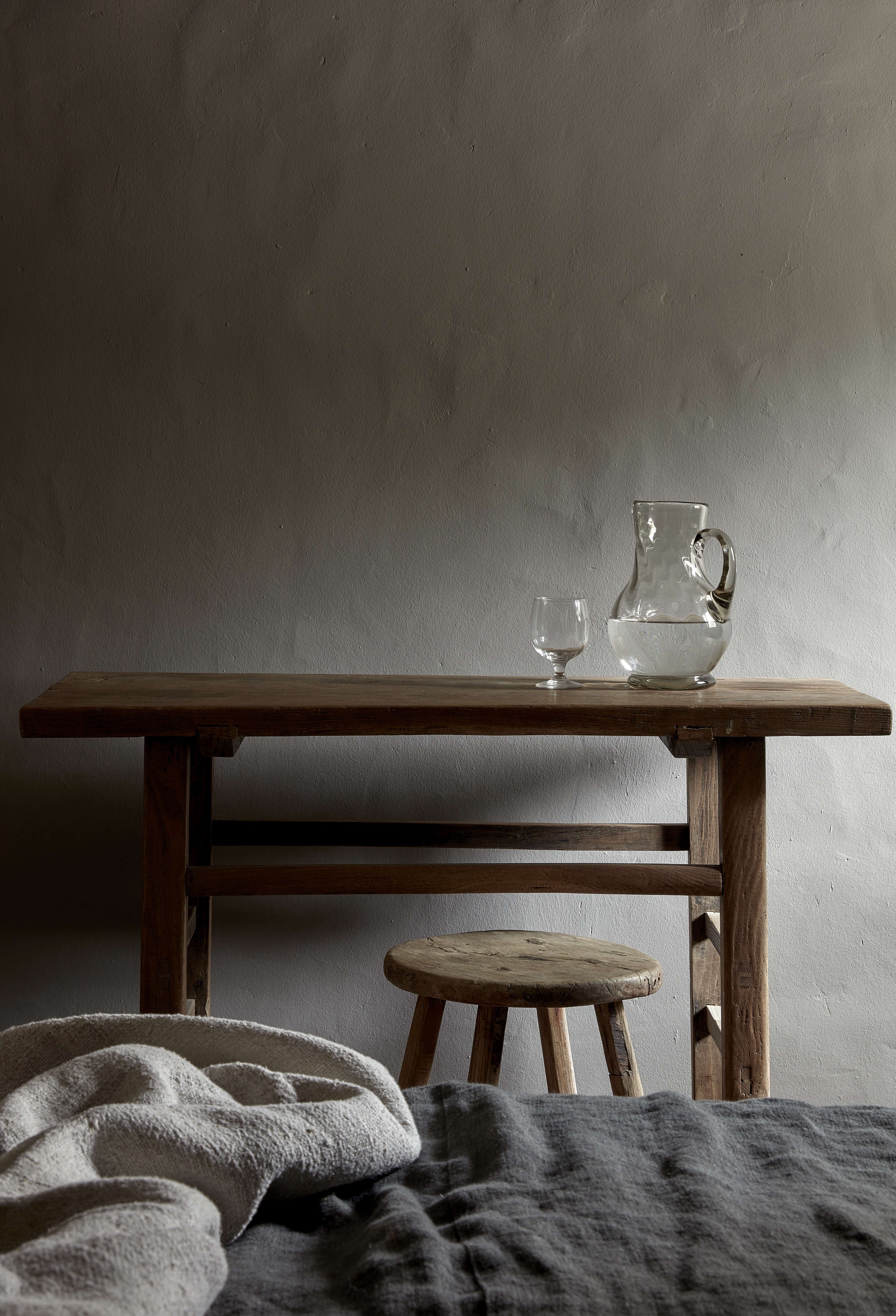Rustic-luxe furnishings at La Granja Ibiza, a new Design Hotels retreat | Remodelista