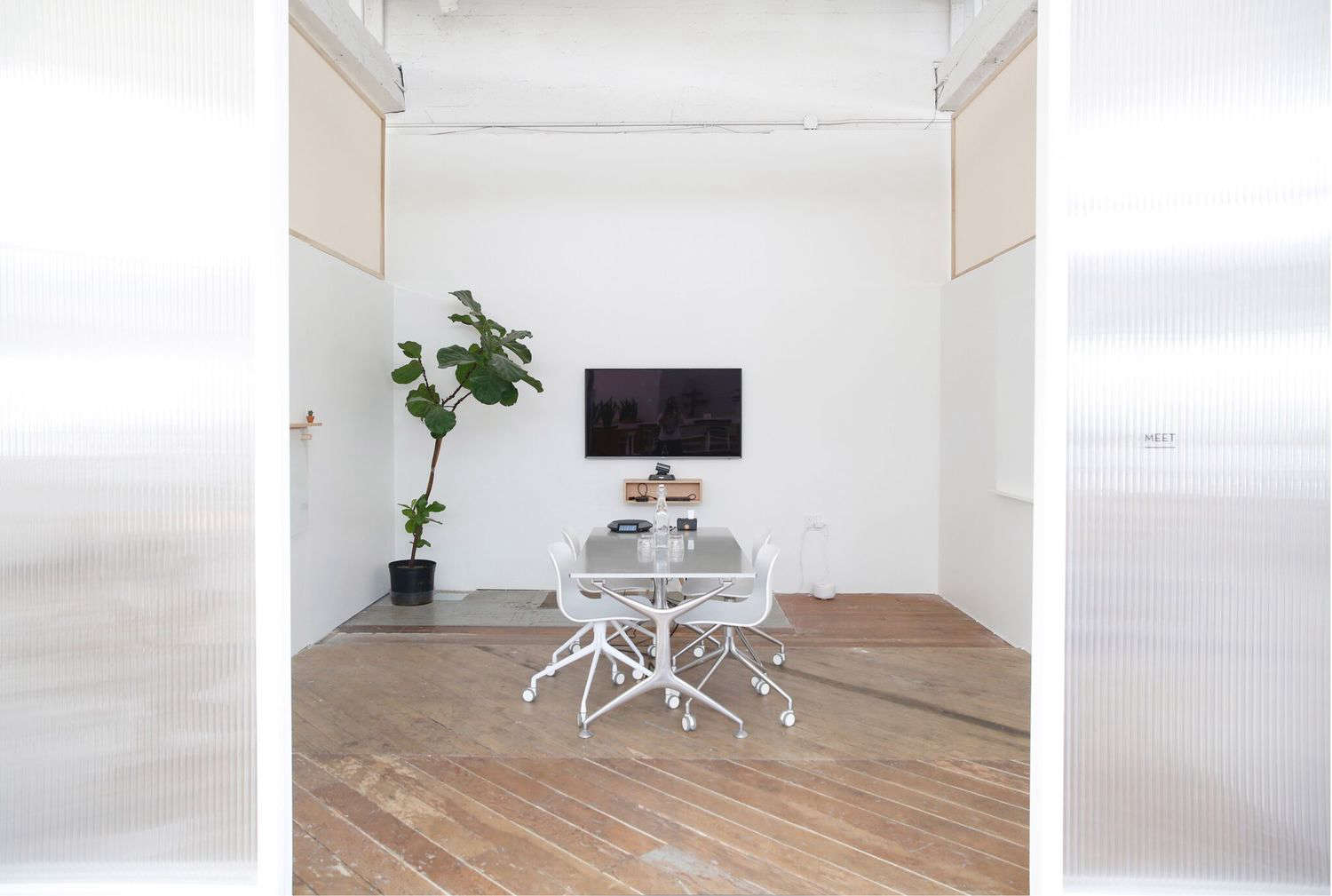 Trend Alert 5 Shared Workspaces Gone Upscale Work Table at The Archery in San Francisco