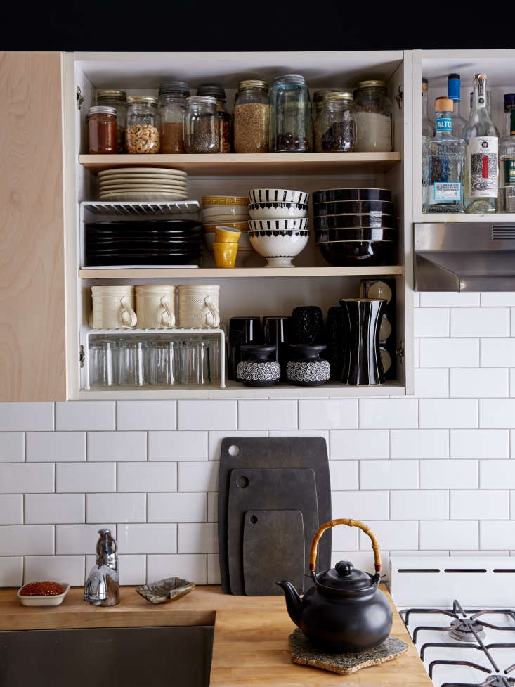Expert Advice 23 Genius Reversible BudgetFriendly Hacks to Transform a Rental Apartment If it&#8\2\17;s the cabinet fronts themselves you don&#8\2\17;t like, take off the doors and stash them away so you can find (and replace) them easily when it&#8\2\17;s time to move out. This works well for upper cabinets, where you&#8\2\17;re more likely to have artful ceramics and glassware on display; cabinets that stash food and packaging are best kept under wraps (see below for a way of concealing these). Photograph fromSmall Space Solutions: \17 Affordable Tips from an NYC Creative Couple.