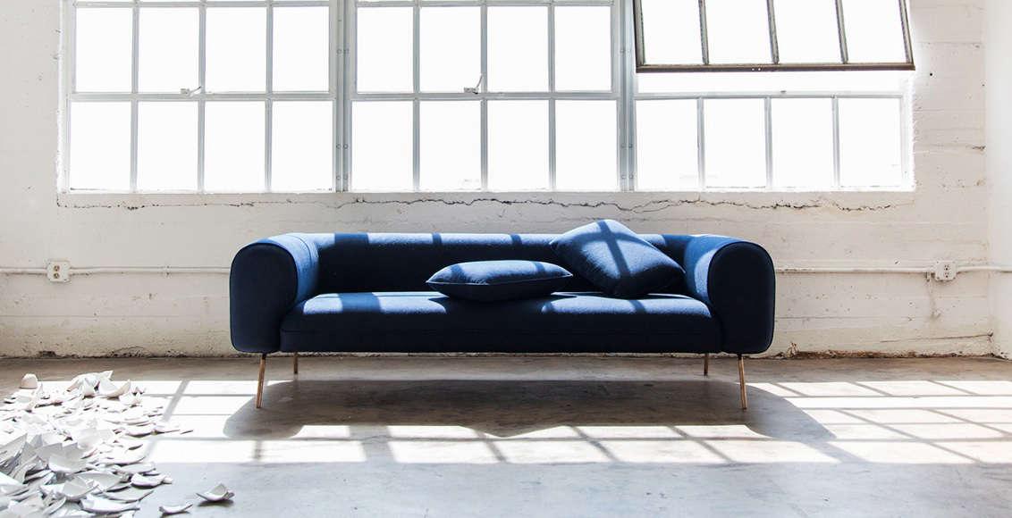 capsule blue sofa remodelista 10