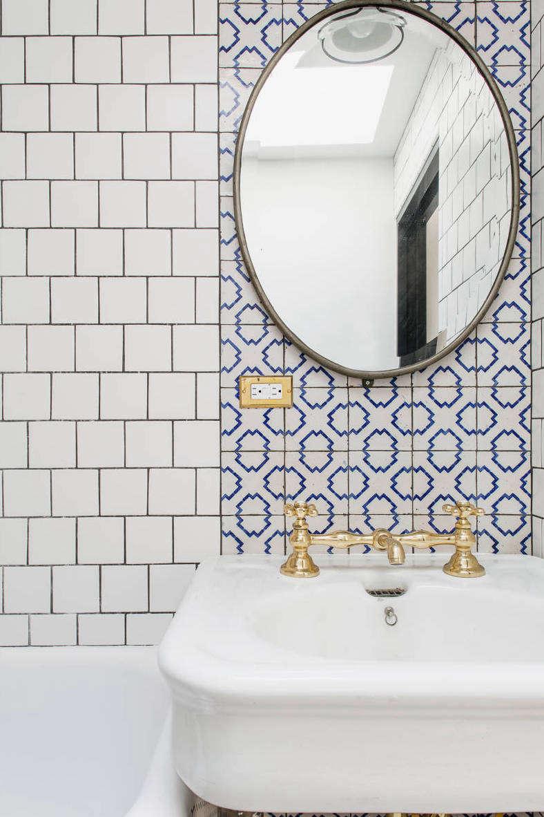 elizabeth roberts bathroom in warren mews townhouse 9