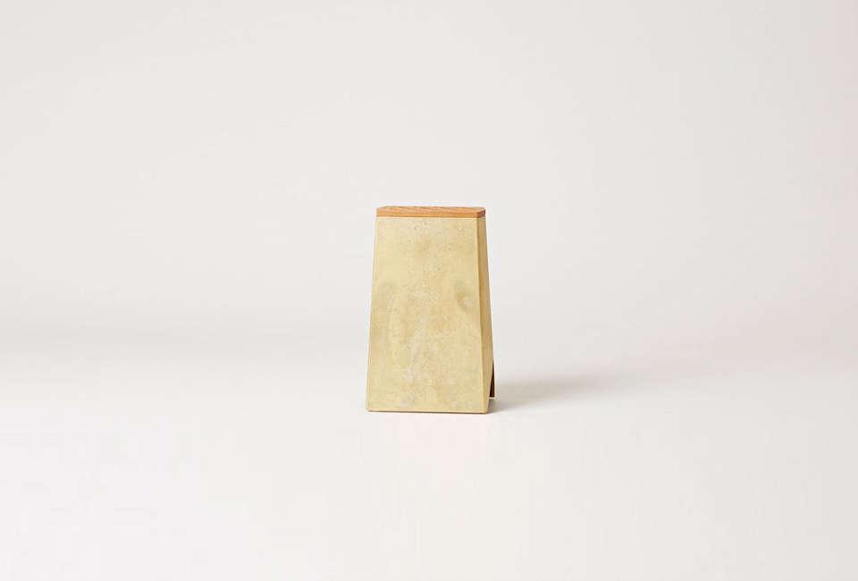 The Brass Knife Stand by Oji Masanori for Futagami is $0 Nalata Nalata. It&#8
