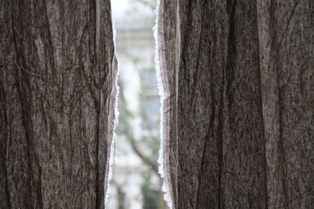 diy linen curtains with selvedge exposed 15
