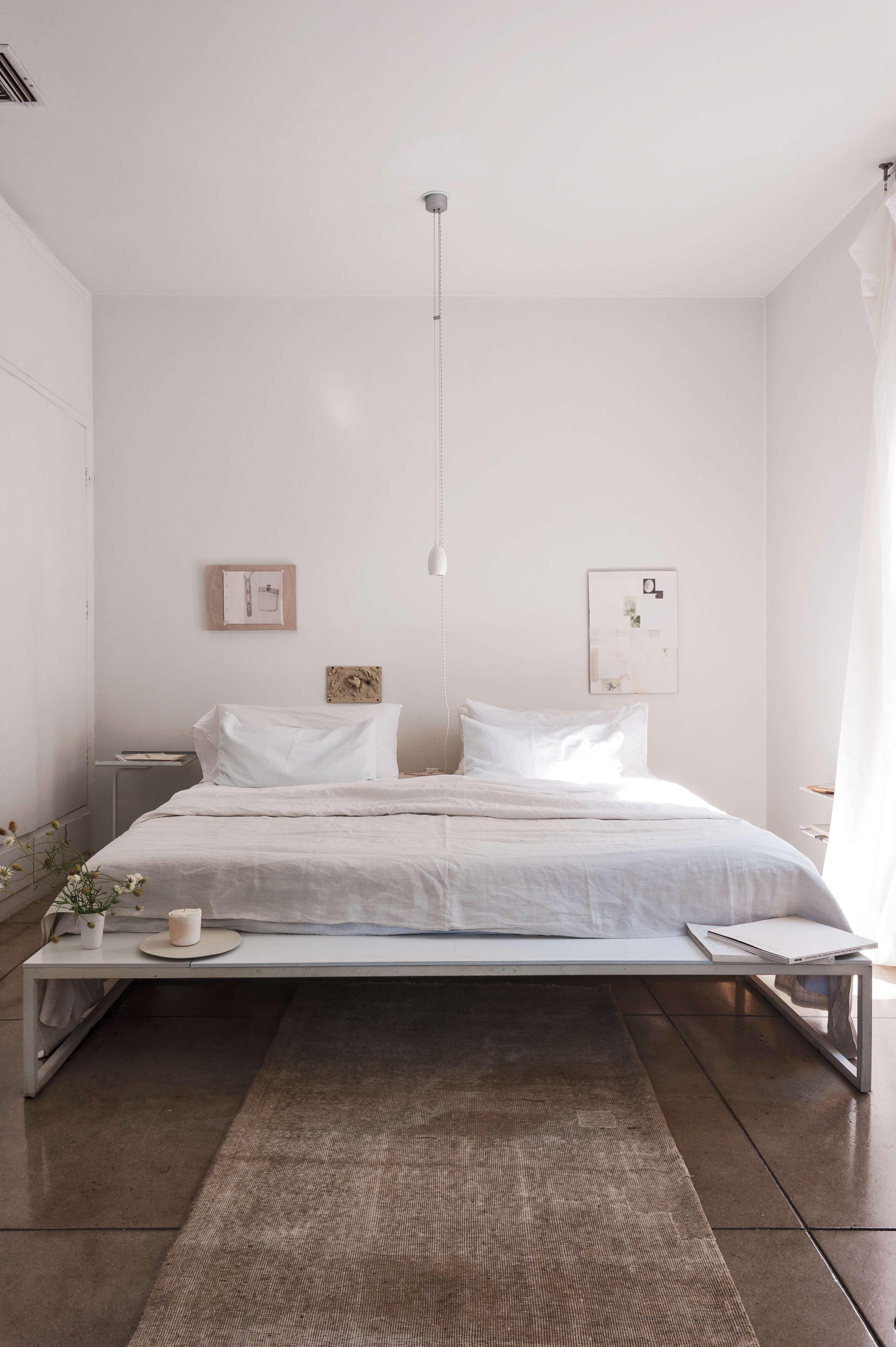 designer michaela scherrer&#8\2\17;s bed feels spacious even though the bed 11