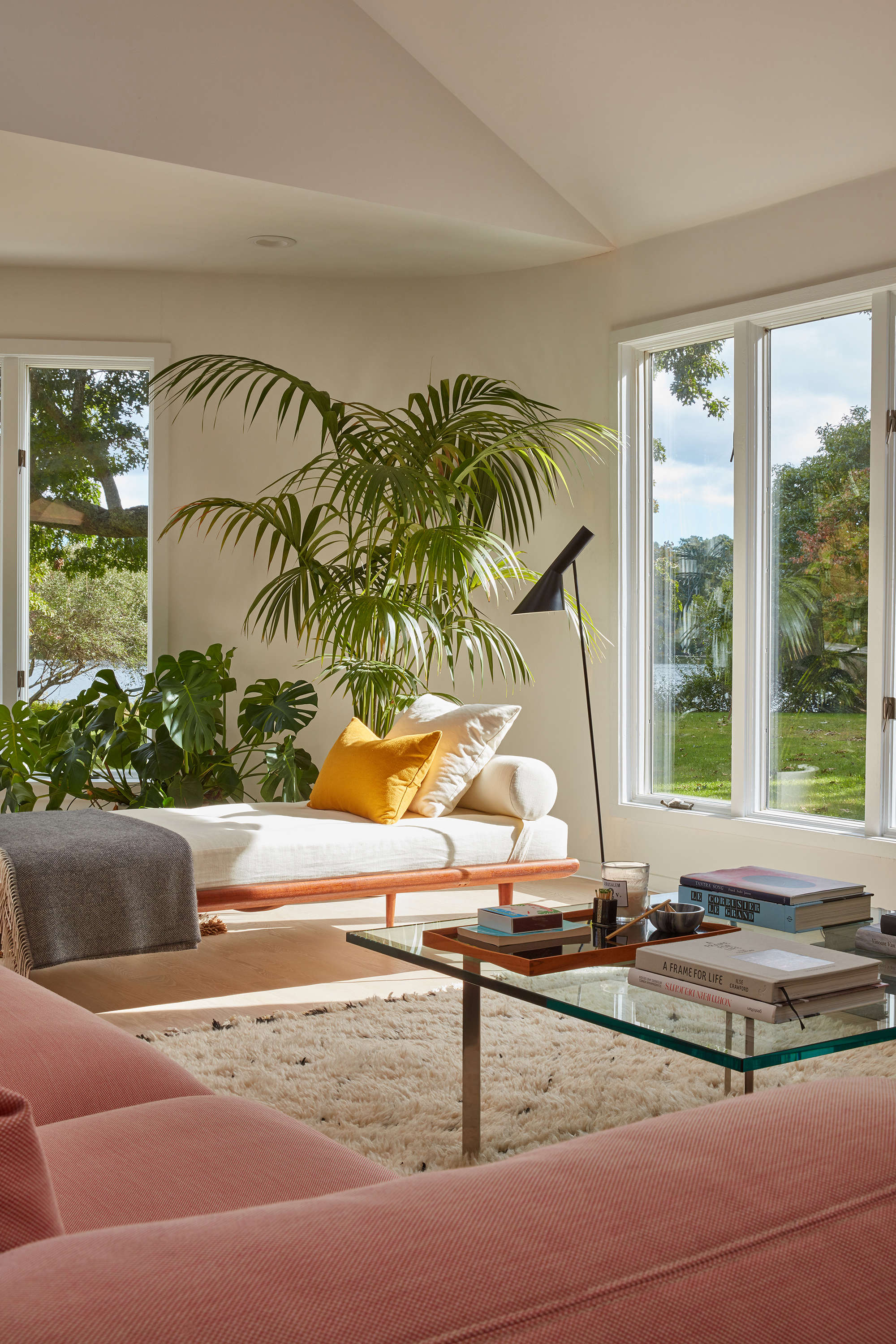 &#8\2\20;the inspiration behind the living room colors are taken from luis  11