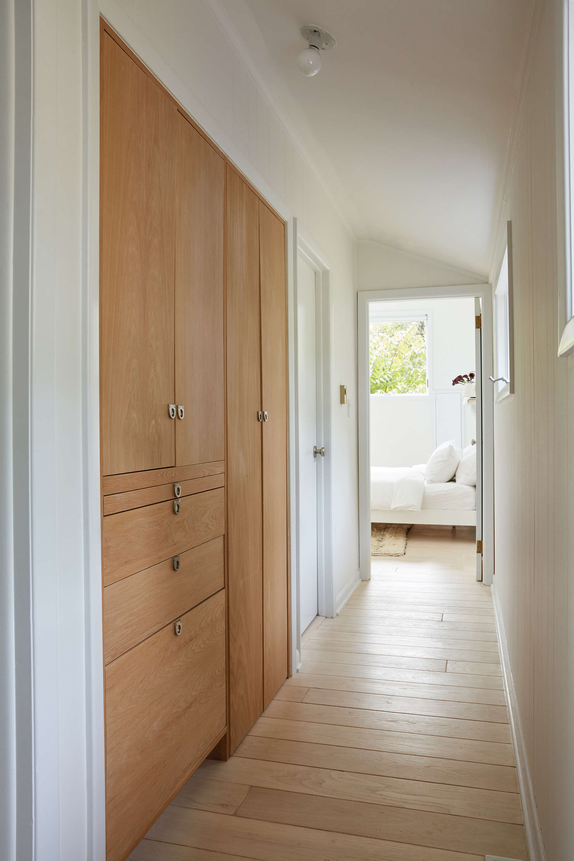 &#8\2\20;we installed acustom laundry cabinet in the hallway (inspired by 17