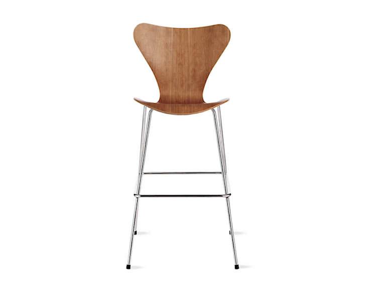 Series 7 Barstool designed by Arne Jacobsen for Fritz Hansen