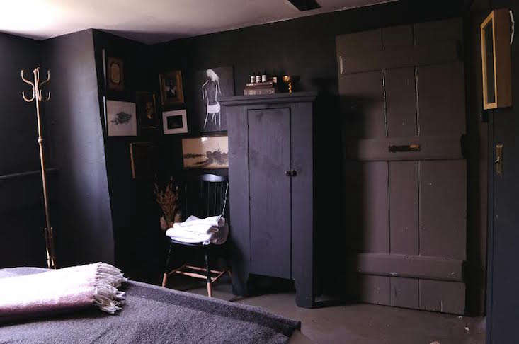 Audreys Farmhouse Charcoal Room Remodelista