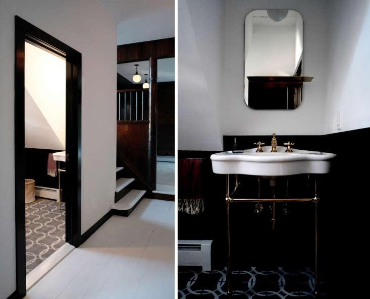 The Bath en Noir 10 Favorite Moody Black Bathrooms portrait 3_27