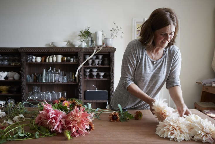a look at the workshop of a uk based architect turned floral designer. see wild 10
