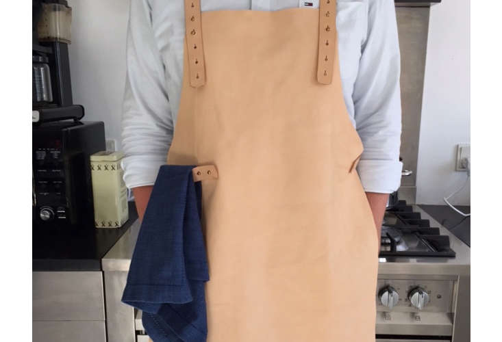 mo denmark leather sommelier apron in leather 13