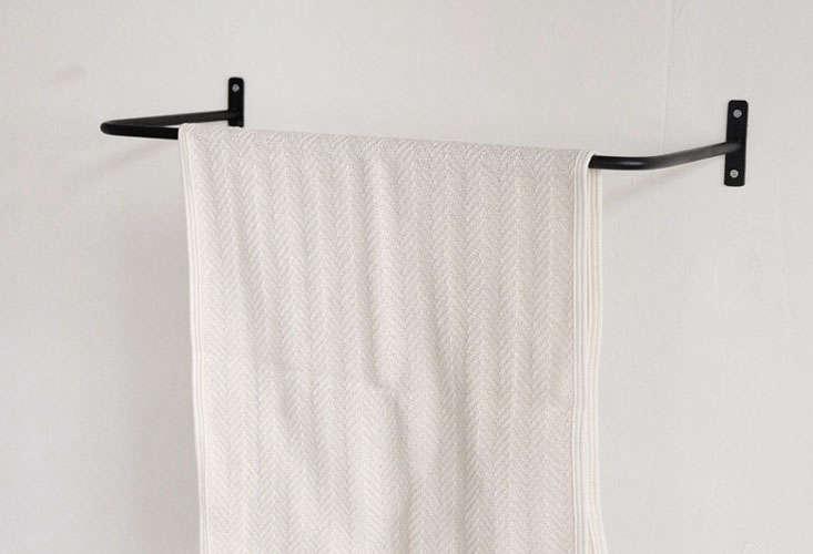 orne de feuilles iron towel bar small 01 13