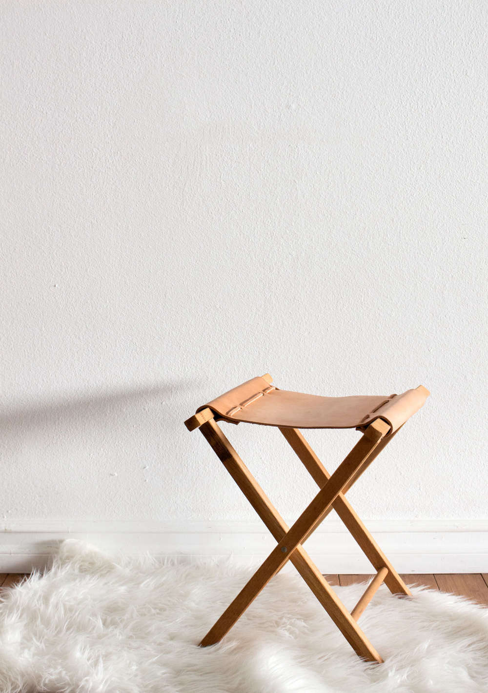 sonia scarr's leather camp stool 11