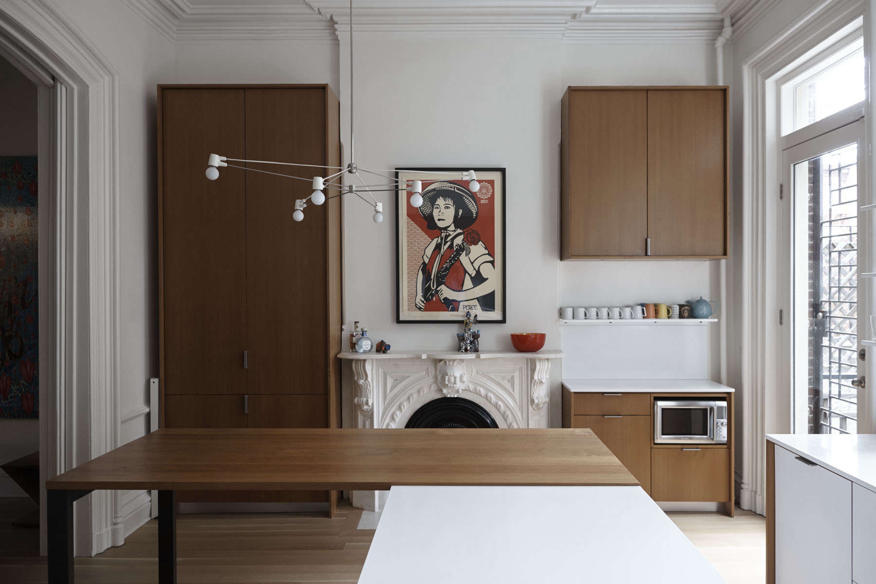 &#8\2\20;we wanted the kitchen to be 'inserted' into the shell of the 9