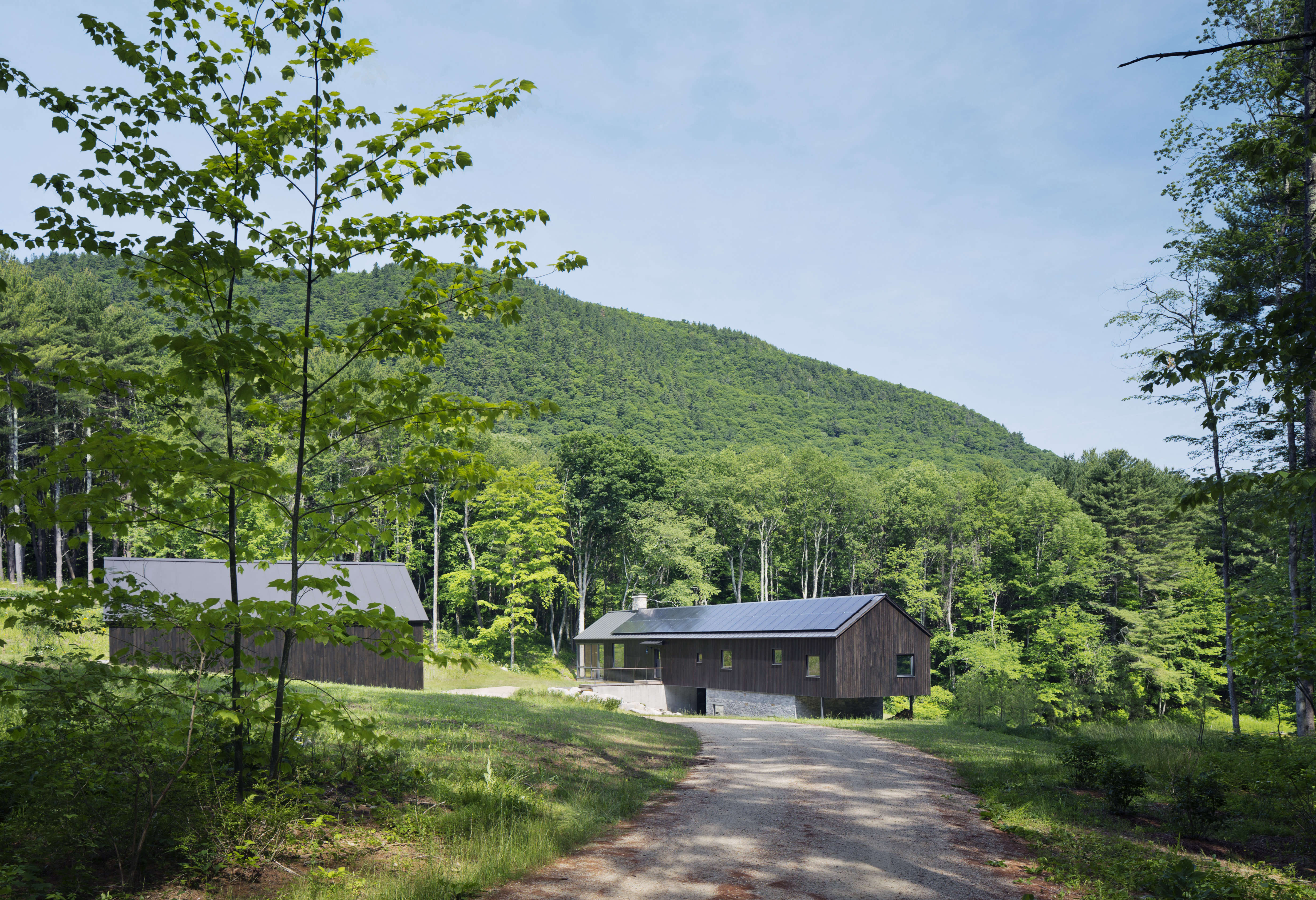 undermountain a low impact barn style house in the berkshires by o'neill rose a 9