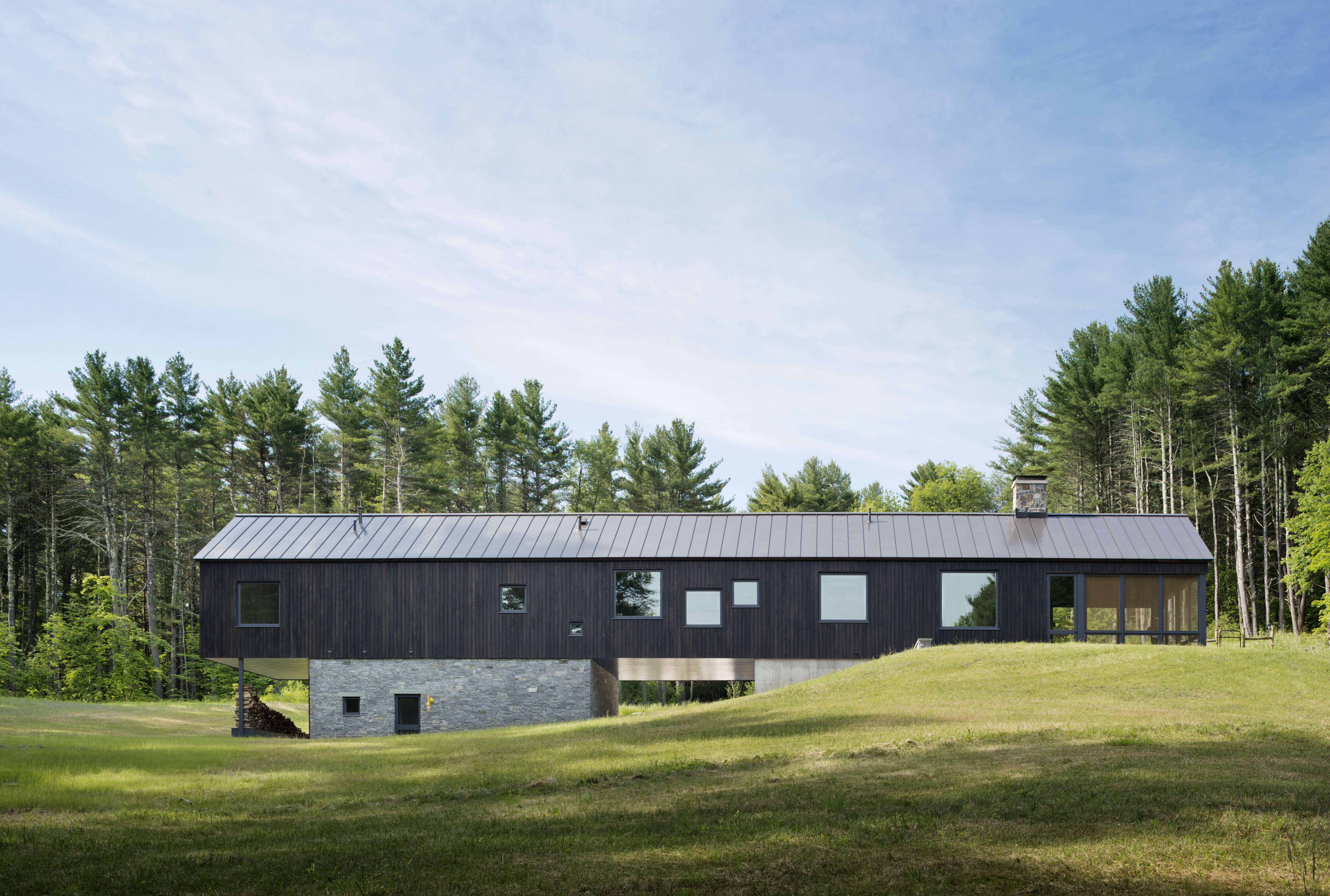 undermountain a low impact barn style house in the berkshires by o'neill rose a 11