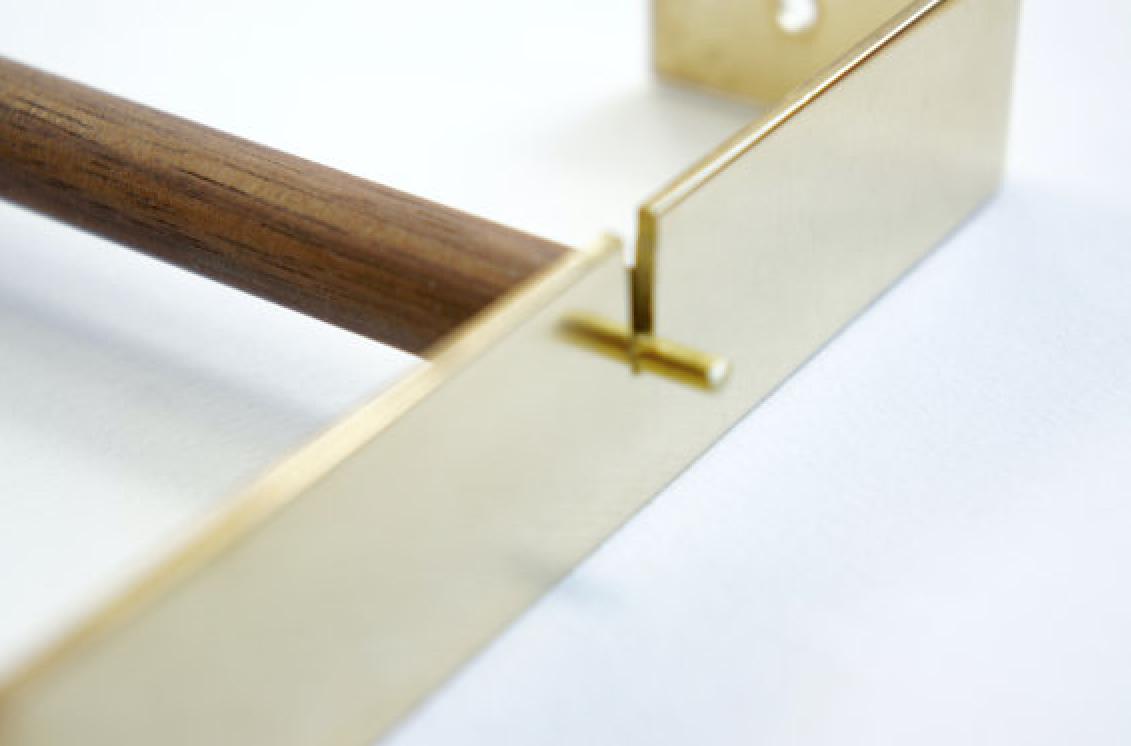 brass paper towel holder by etsy seller calvill, detail 12