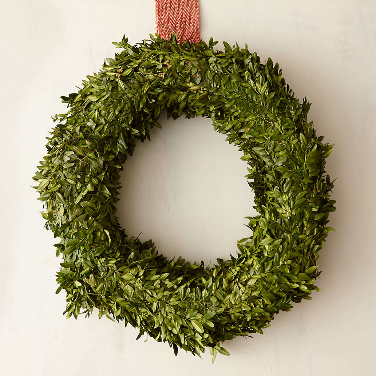 dried-boxwood-wreath-from-terrain