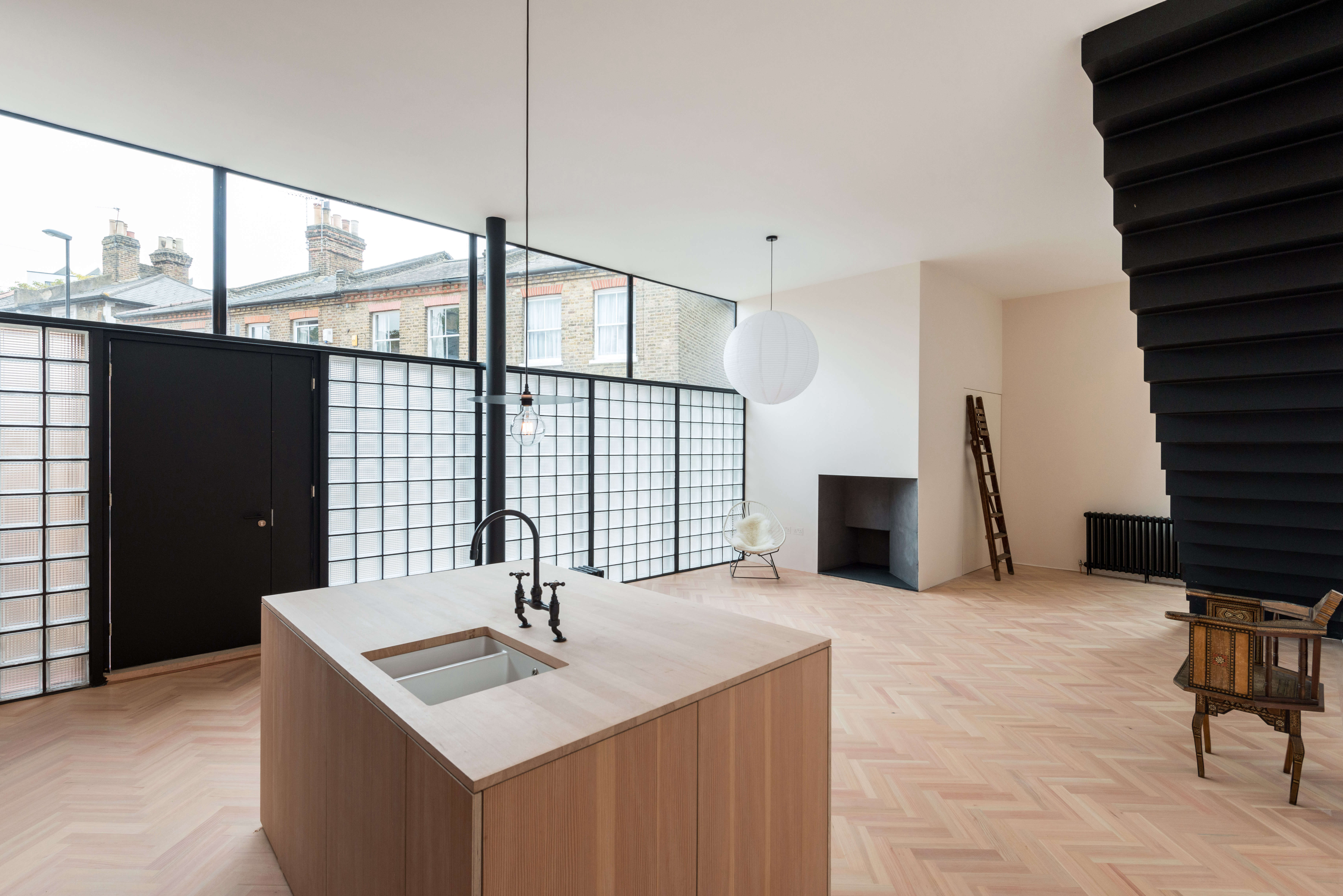 On the Market A London NewBuild Inspired by the Iconic Maison de Verre imperial club frame property london 18