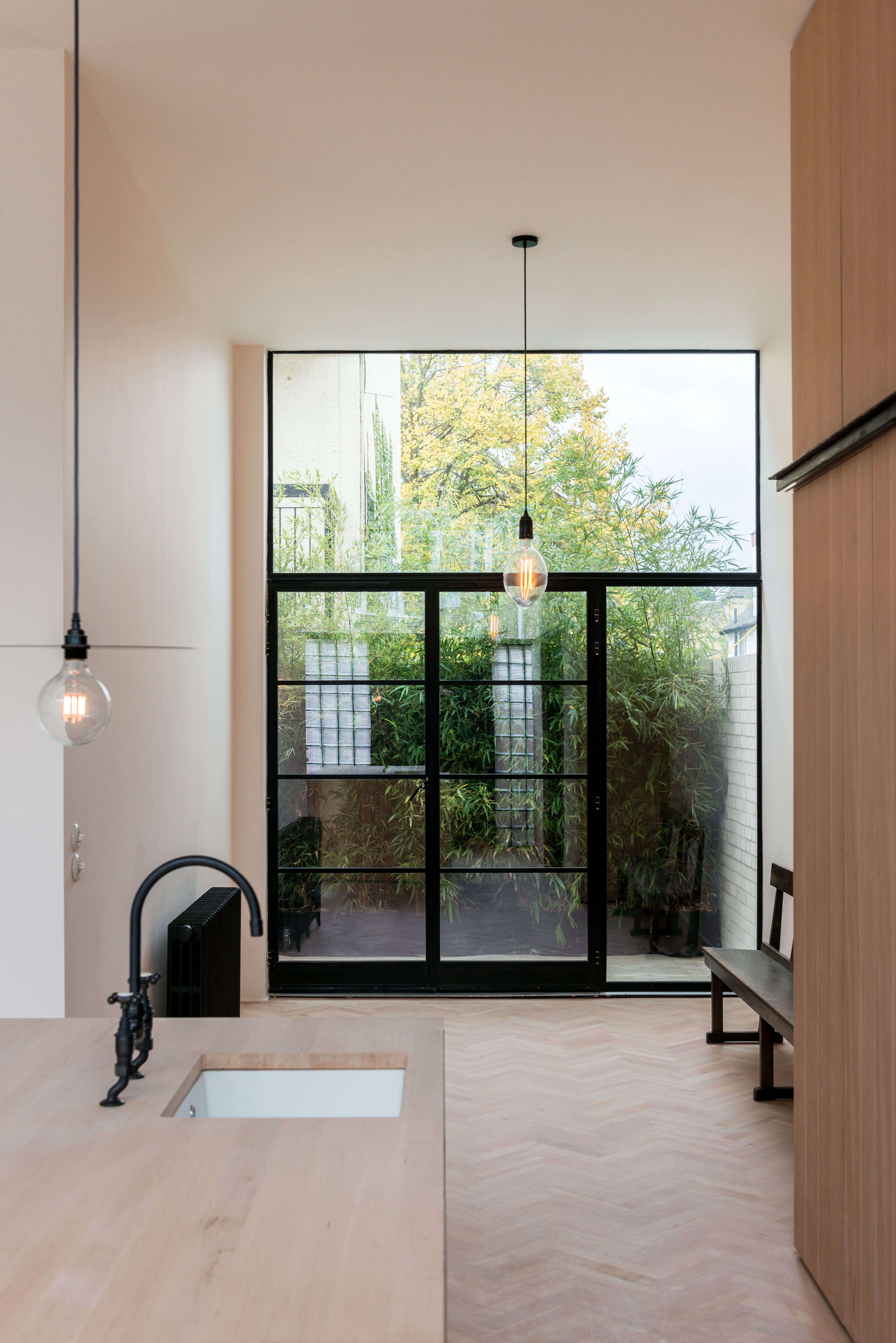 On the Market A London NewBuild Inspired by the Iconic Maison de Verre imperial club frame property london 23