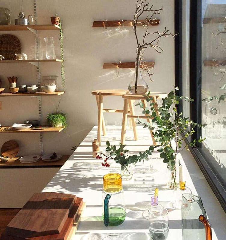 momosan shop window 10
