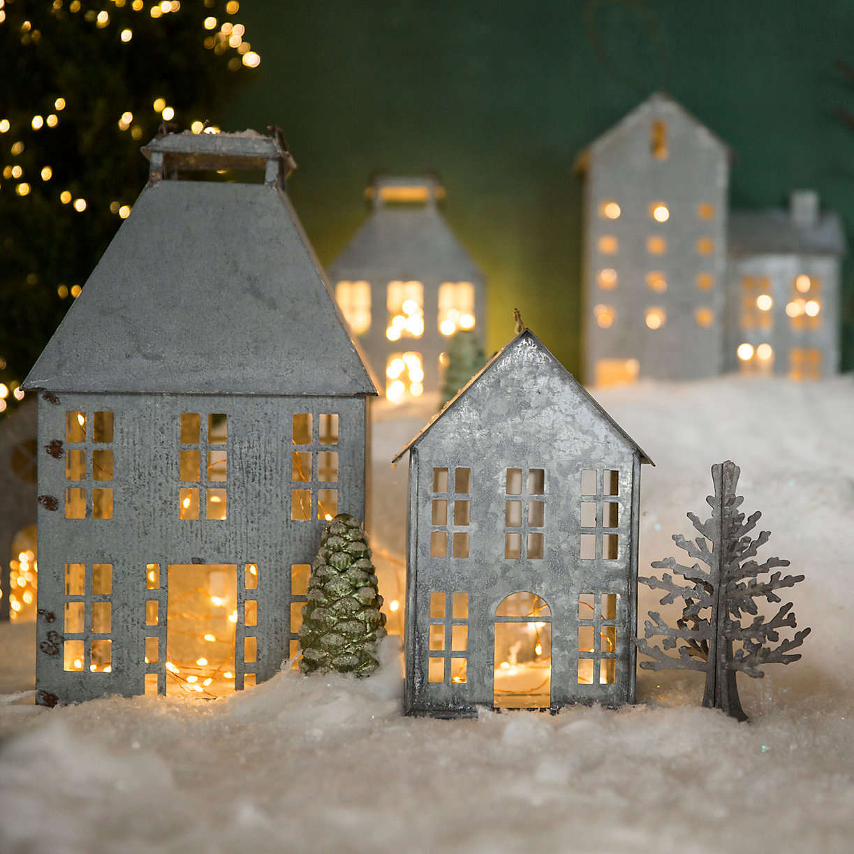zinc-holiday-christmas-village-from-terrain