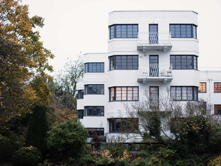 Art Deco apartment building in Hampstead Heath