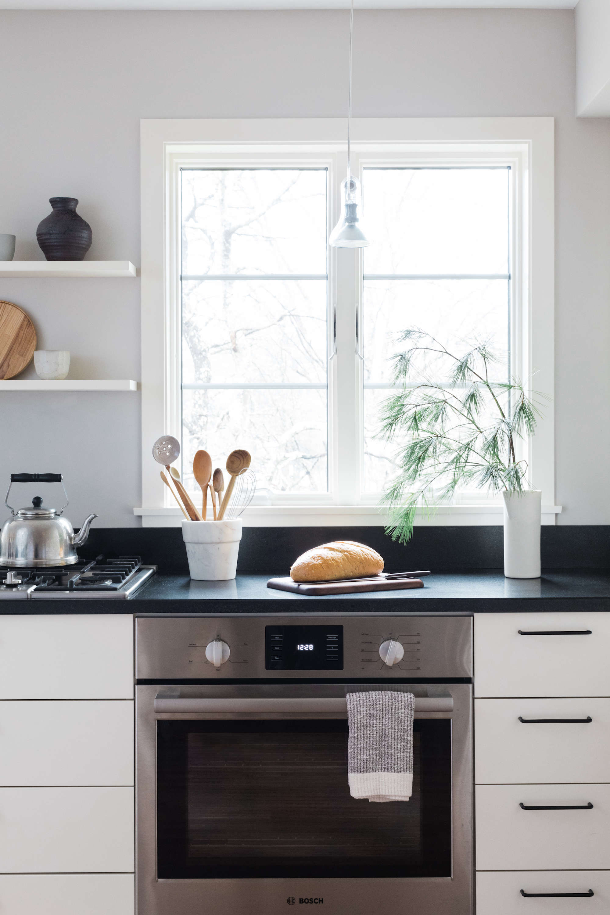 japanese inspired kitchen with bosch stove 16