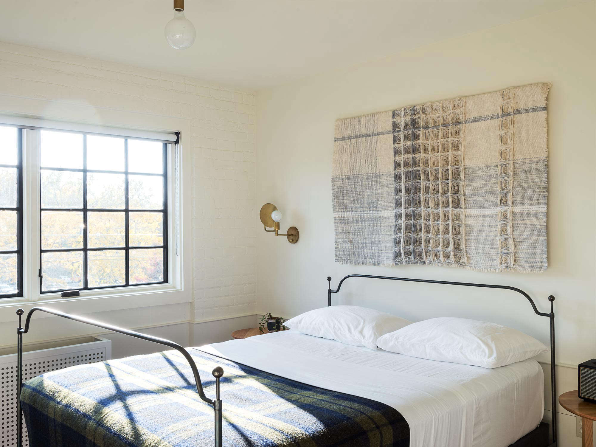 Expert Advice 9 HardWearing Natural Material Recommendations from a Hotelier Rivertown Lodge guest room Workstead design Matthew Williams photo