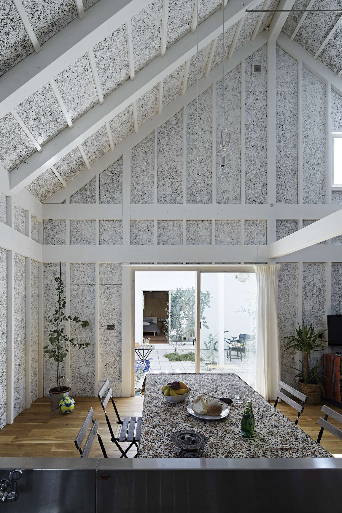 sabi, a surfers' house in chiba, japan, designed by no. 555 architects. the tex 12
