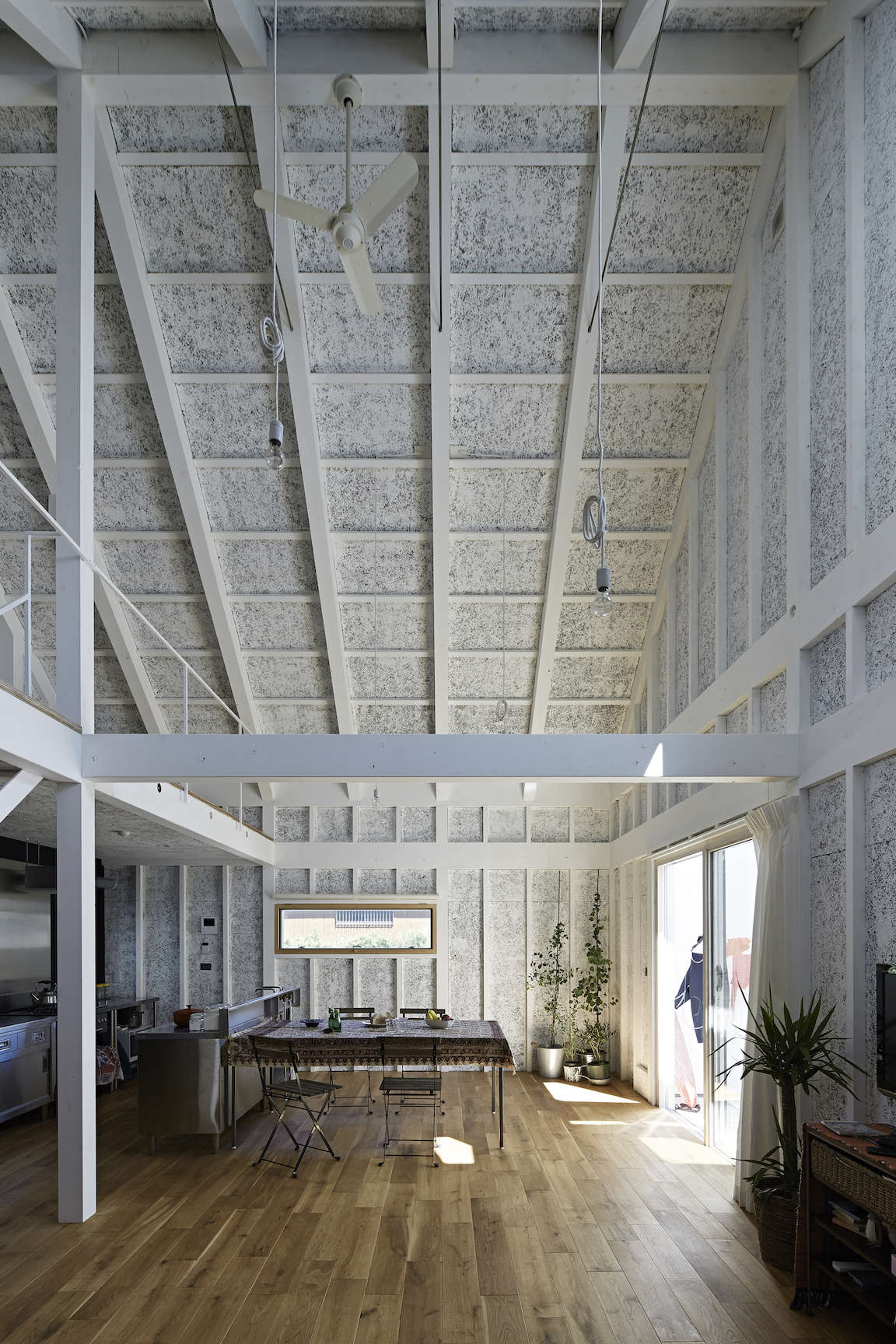 sabi, a surfers' house in chiba, japan, designed by no. 555 architects. the tex 11