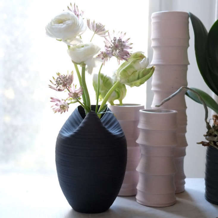 cocoon vase by wrenlab 11