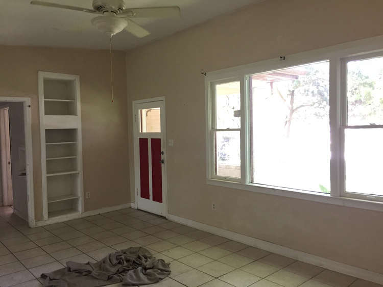 budget-remodel-living-room-entry-before-image