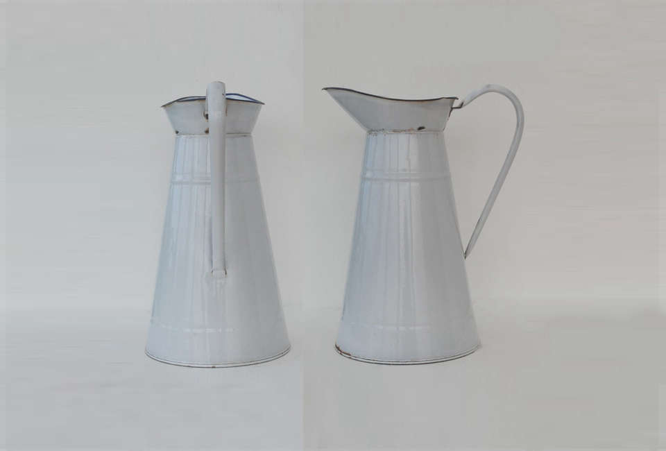 Steal This Look A CostConscious Retro Kitchen in London Etsy French Enamelware Pitcher