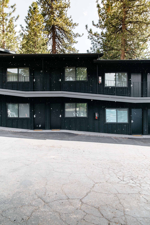 exterior-black-motel-coachman-tahoe