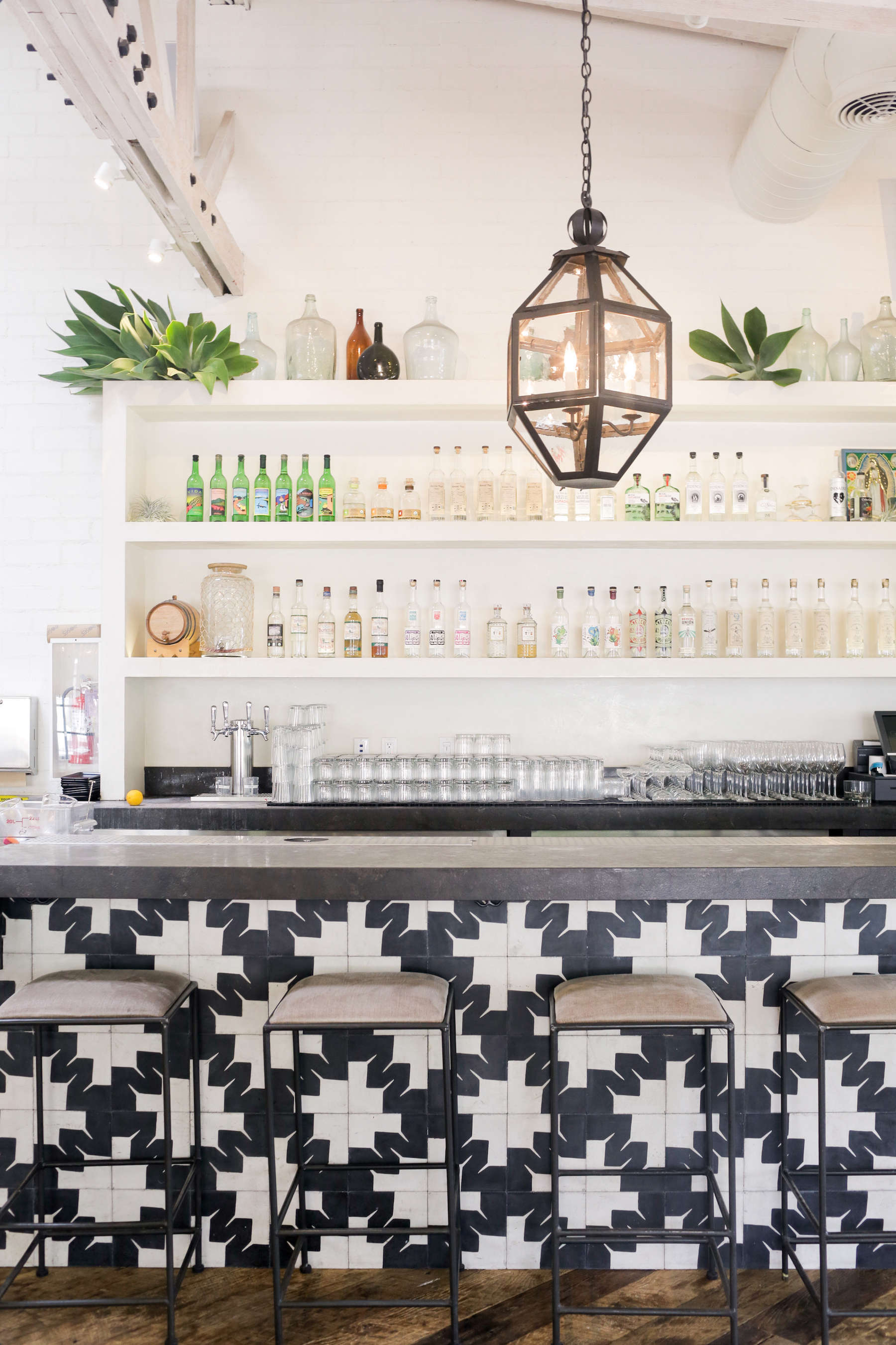gracias-madre-restaurant-west-hollywood-la-bar-black-white-tile-pattern-lantern
