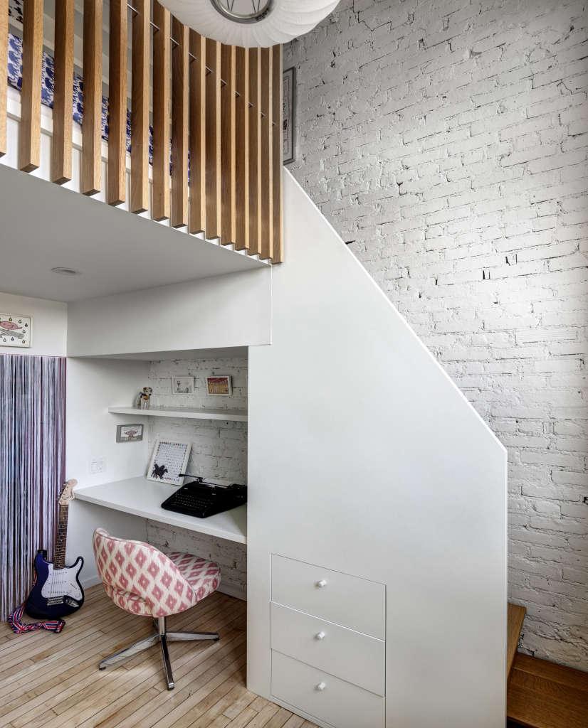 jennifer hanlin cobble hill apartment mia bedroom nook, photo by bruce buck 17