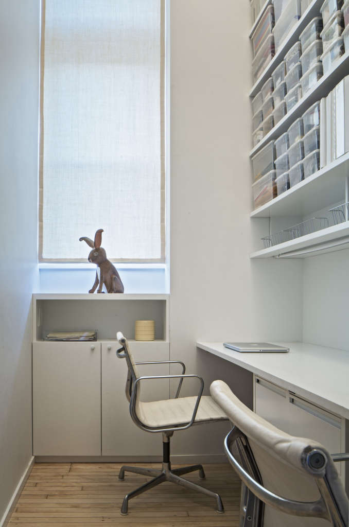 jennifer hanlin cobble hill apartment office, photo by eduard hueber 16