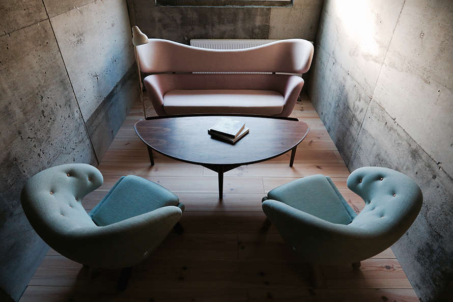 A pair of Pelican Chairs ($6,src=