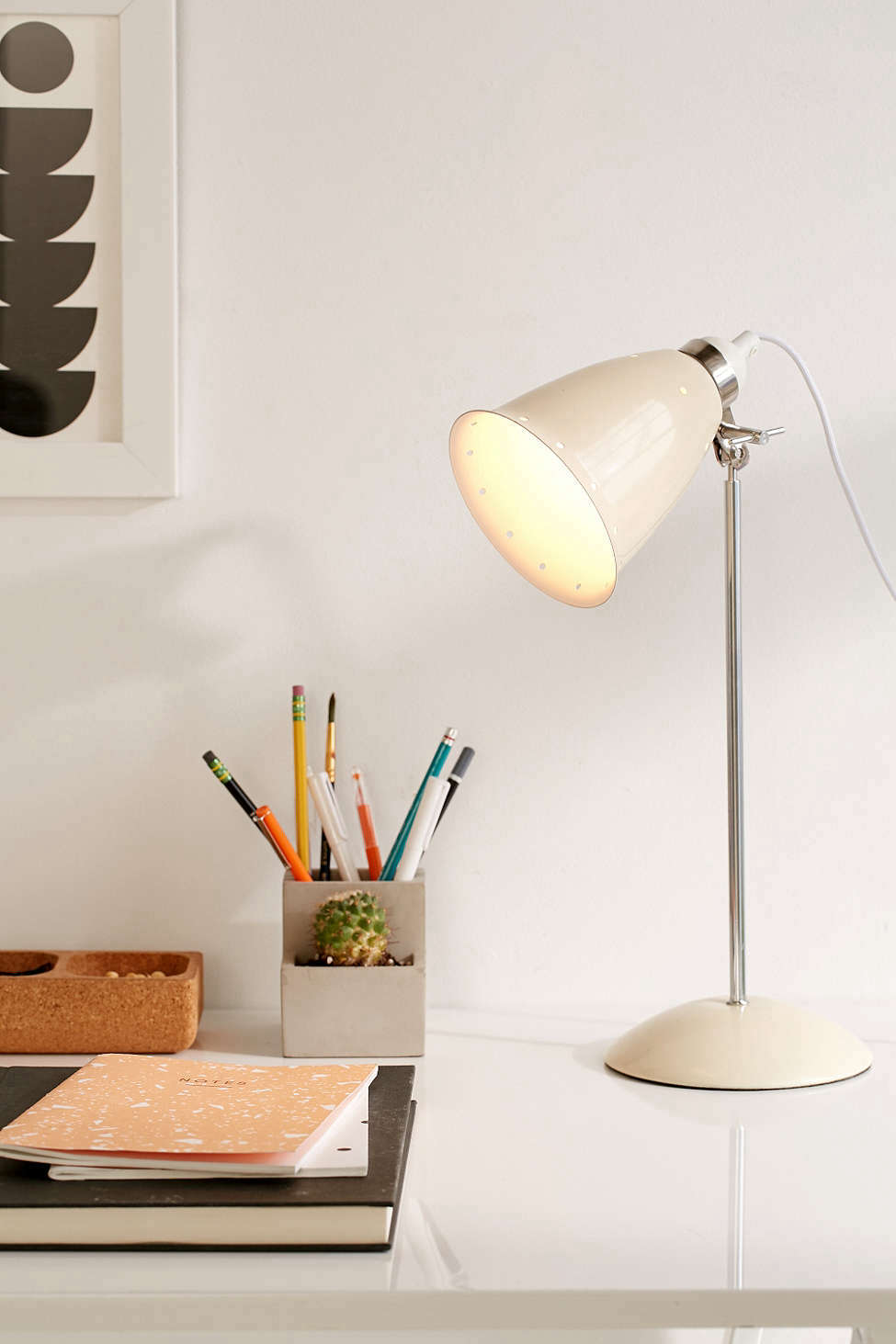 urban outfitters white table lamp 9