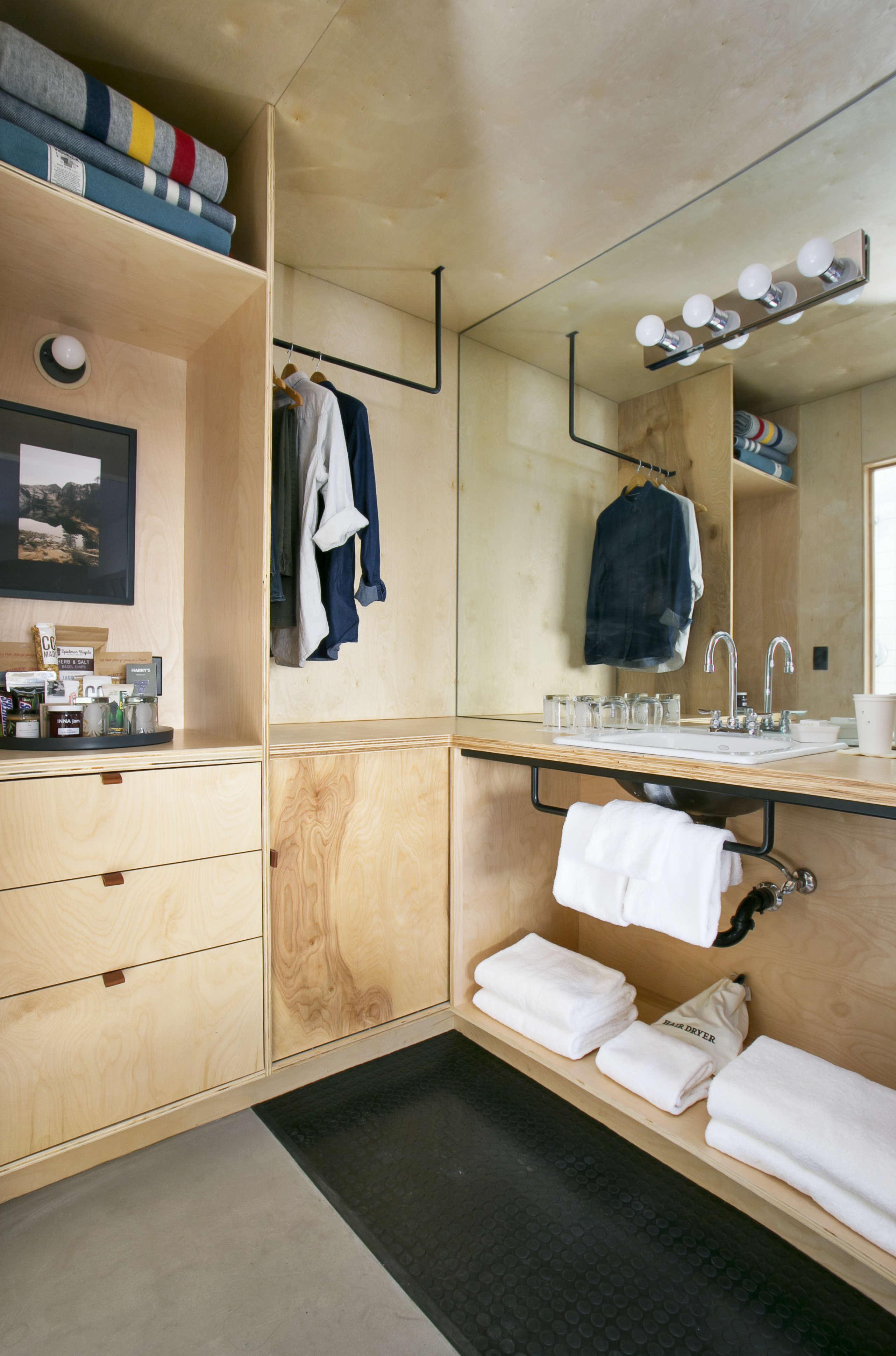 valet-bathroom-plywood-coachman-hotel-tahoe