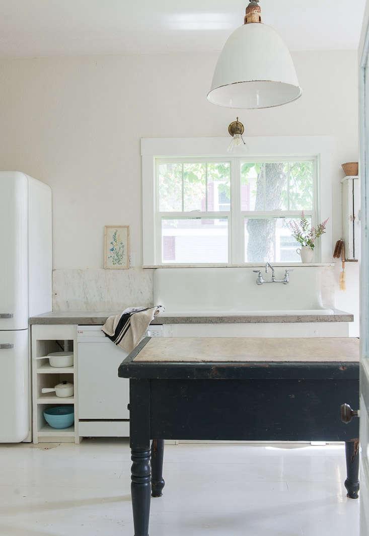 vintage whites blog remodel white pendant light over island 20